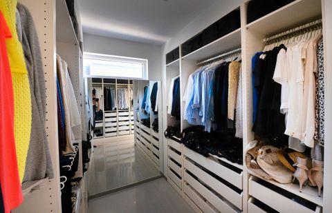 soverom med garderobeplass, valgte paret ? bygge walk-in-closet ...