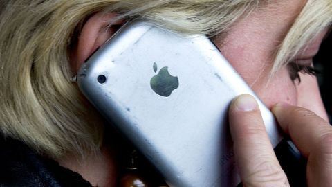 OPPRINGT: Flere nordmenn har i helgen blitt oppringt av telefonsvindlere. Ikke ring de opp igjen, er rådet fra Telenor. Svindlerne ønsker nemlig å tjene penger på tellerskritt. Illustrasjonsfoto: