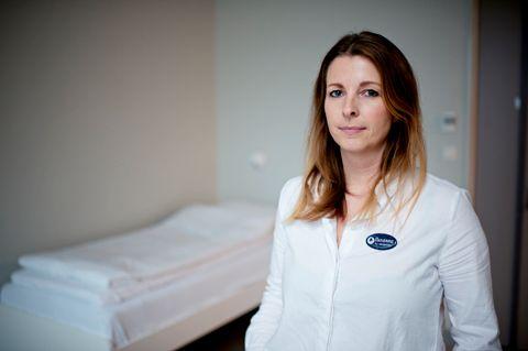 VANSKELIG: – Det var fortvilende å måtte bruke så mye tvang mot en mindreårig, sier assisterende seksjonsleder Susanne Karlsen på Akuttposten på Haukeland sykehus.