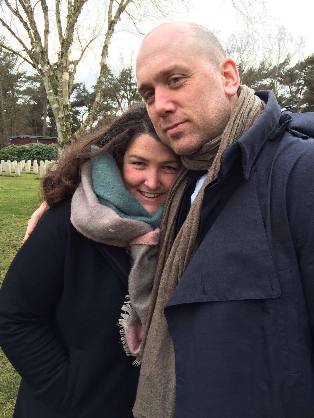 dating noen uten en far ta bilder for online dating