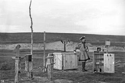 Sophus Tromholt på nordlysstasjonen i Kautokeino.