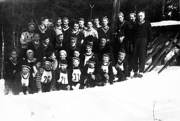cf163cbc Tidlig på 1950-tallet var det flere hoppere på et klubbrenn for Grefsen IL  i Storhaugbakken langt inne i skogen, enn det i dag er i hele Oslo.