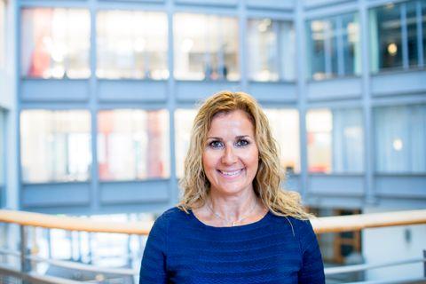KRAFTSALVE: Karita Bekkemellem, direktøren for næringsorganisasjonen Legemiddelindustrien, mente at hensynet til å spare penger ved sykehusene gjorde at pasientene ble utsatt for en stor helserisiko – som å miste synet.
