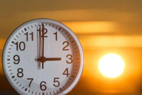 VINTERTID: Klokken skal stilles tilbake én time natt til søndag
