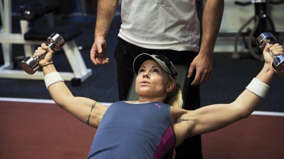 ad187d7b PERSONLIG TRENER: Lene Alexandra Øien har skiftet ut modellkarrieren med  styrketrening. FOTO: FRODE