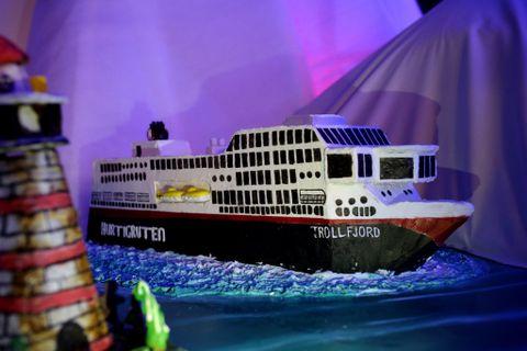 HURTIGRUTEN: Årets utstilling har en rekke maritime innslag. Blant båtene er hurtigruten «Trollfjord».