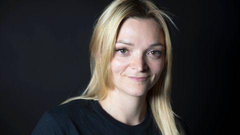 – Å skjule det ble det viktigste i hele verden, sier Nina Ellioth Kvamsdahl. Men én dag klarte hun ikke lenger å holde rusmisbruket sitt skjult på arbeidsplassen. 12. juni i år har Kvamsdahl vært rusfri i seks år.