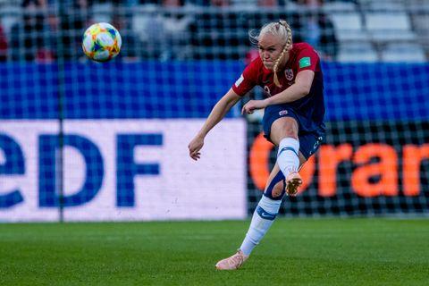 Maria Thorisdottir i aksjon mot Nigeria i Norges VM-åpning.
