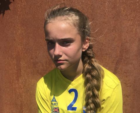 SPILLER FOR FYLLINGEN: Emma er lei seg for det som har skjedd. For tiden er hun og laget på Partille cup i Göteborg.