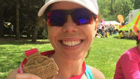 MEDALJEFANGST: Hvem skulle trodd at det var så gøy å «vinne» medalje bare for å ha stilt opp i et mosjonsløp?