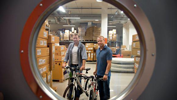 25292c78 SATSER VIDERE: Brødrene Tore André og Jan Frode Skeie har drevet  sportsbutikk siden de var i starten av 20-årene. I mars kjøpte de seg ut av  MX-sport, ...
