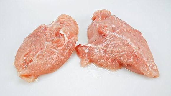 906685bf4 Vi kjøper kyllingfilet med vann i på svenskegrensen - Aftenposten