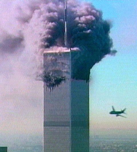 ANGREP: To passasjerfly rammet «tvillingtårnene» med 15 minutters mellomrom om morgenen 11. september 2001.