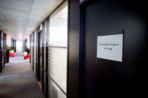 Dørene benyttes som vegger i det som tidligere var et åpent kontorlandskap hos Konkurransetilsynet.