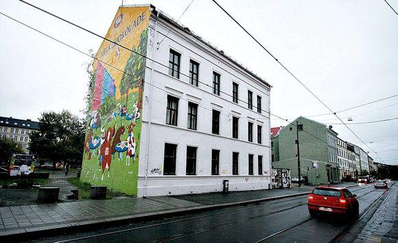 dfc01b17 Thorvald Meyers gate 66: Her holder et massasjeinstitutt til. Tidligere het  det Tuk Tuk. I dag står det Ituk på ringeklokken.