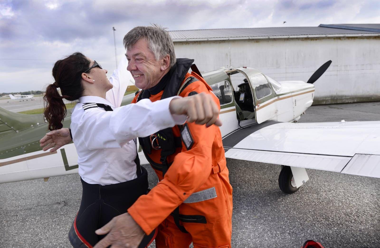 gjøre piloter og fly tjenere hektejente dating en fyr 4 år yngre