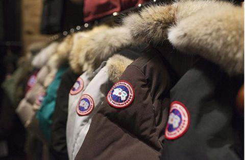 EKTE PELS: Canada Goose er ett av merkene som har ekte pels på jakkene sine.