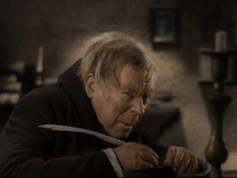 FILM: Seymour Hicks får du nå i farger.
