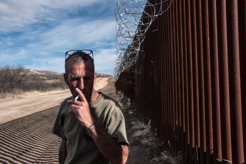 MENNESKEJEGER: – Kartellet har forfulgt meg i bil fra grensen og helt opp til Phoenix. De vet hvor jeg bor. De må gjerne spørre om jeg vil komme ut og leke. Jeg kommer, sier Tim Foley.