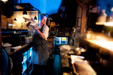 FUSJON: Danmarks plass har fått en vin- og matbar med internasjonal meny. Vår anmelder gir Ellie fem hjerter.