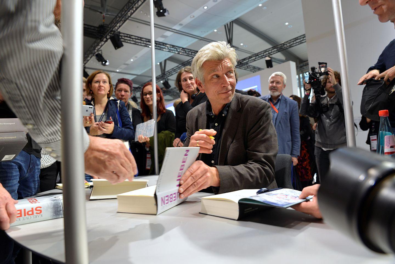 Karl Ove Knausgård-feber på bokmessen: – Jeg prøver å unngå bokmesser