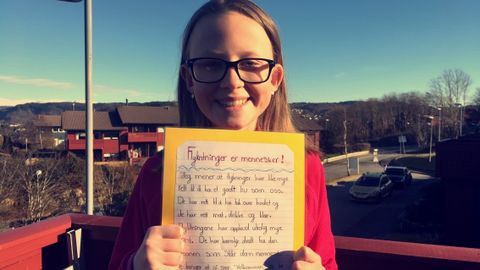 OMSORG: Thea er 11 år og er elev ved Søråshøgda skole. Hun har skrevet debattinnlegg om flyktninger.