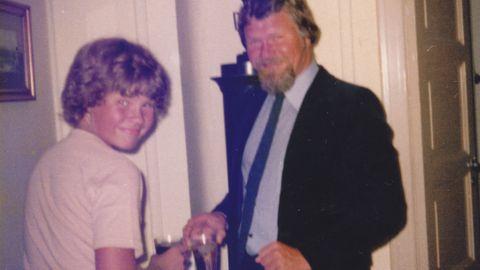 FAR OG SØNN: Det var far som lærte meg å svømme, fiske og å lage kjøttkaker. De gode minnene om ham er mange, skriver Christian Nome Lepsøe.