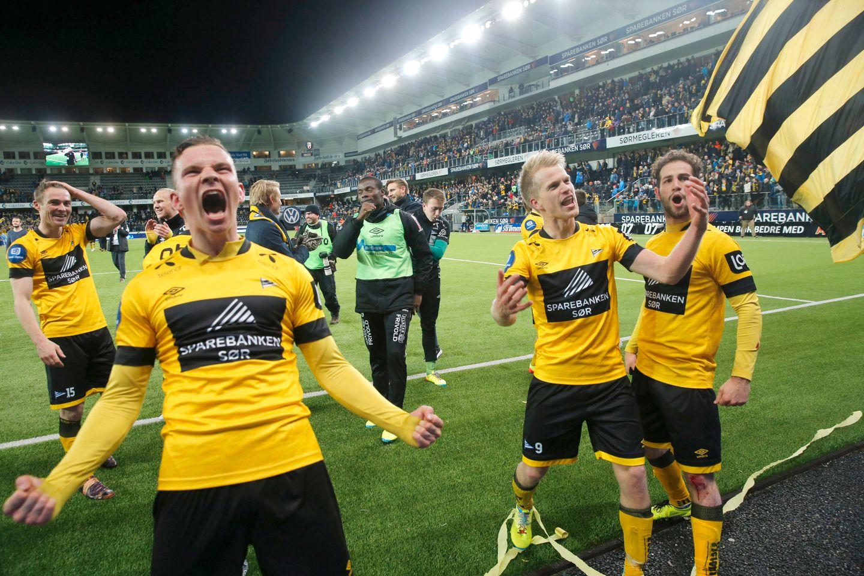 a04dcd5a Elleville jubelscener på Sør Arena etter seieren over Jerv i 2015. – mest  jubler Henrik Breimyr (foran) og Daniel Aase og Alex De John.