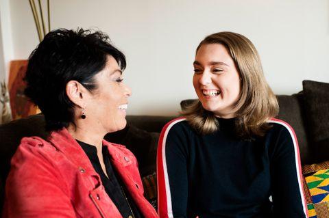 REDNINGEN: Mamma Karin har fulgt datteren Iselin «døgnet rundt» gjennom kreftsykdom, behandling og rehabilitering. Ingen av dem var forberedt på hvor tøff tiden etter sykdommen skulle bli.