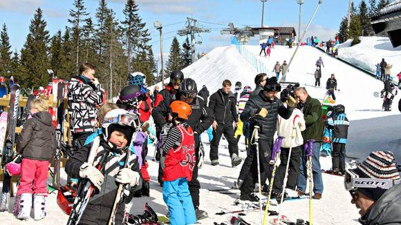 3189eb13 I helgen avsluttes tidenes Tryvann-vinter. FOTO: Hilde Bjørhovde.  Storinnrykk ga historiens beste skisesong i Oslo Vinterpark.