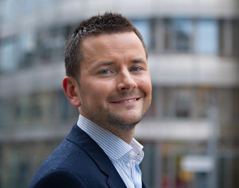 HELT SJEF: Øyulf Hjertenes er sjefredaktør i Bergens Tidende. Det er han som skal være konfransier på Lysfesten.