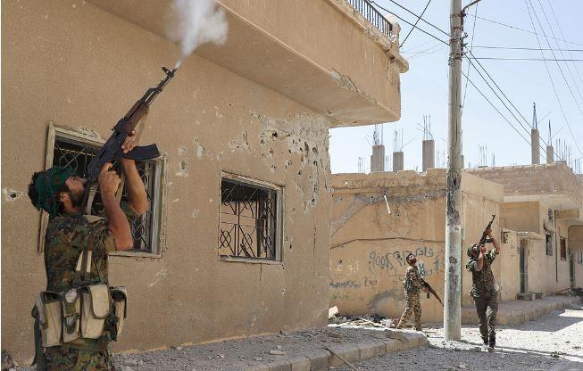 – Terroristene er knust, sa Putin om IS. Så gikk de hjemmelagde dronene til angrep.