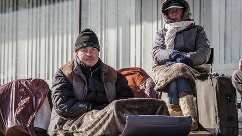 Europas hjemløse og eldre er spesielt utsatt for kuldebølgen som har feid over kontinentet. Disse menneskene er polske og lever på gata i Brussel i Belgia.