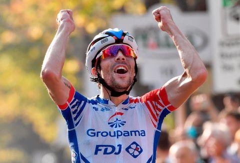 Thibaut Pinot jublet etter seieren i Giro di Lombardia i oktober i fjor.