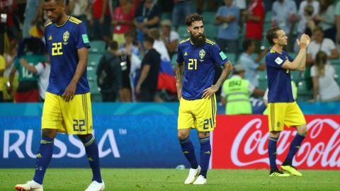 Jimmy Durmaz (i midten) laget frisparket som avgjorde kampen. Etter oppgjøret har han blitt hetset på det groveste.