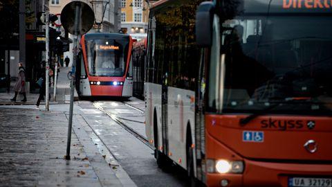 RUSHTID: Bil eller buss til jobb? Ingvild Rugland gikk vitenskapelig til verks.