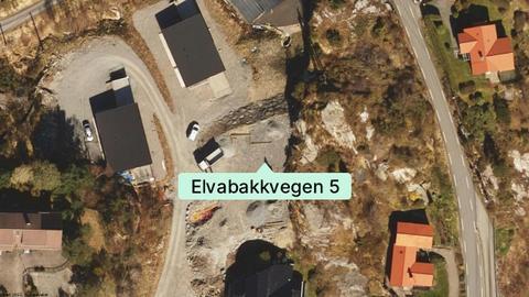 Kjedehus i Elvabakkvegen solgt. Sjekk kjøpesummen.