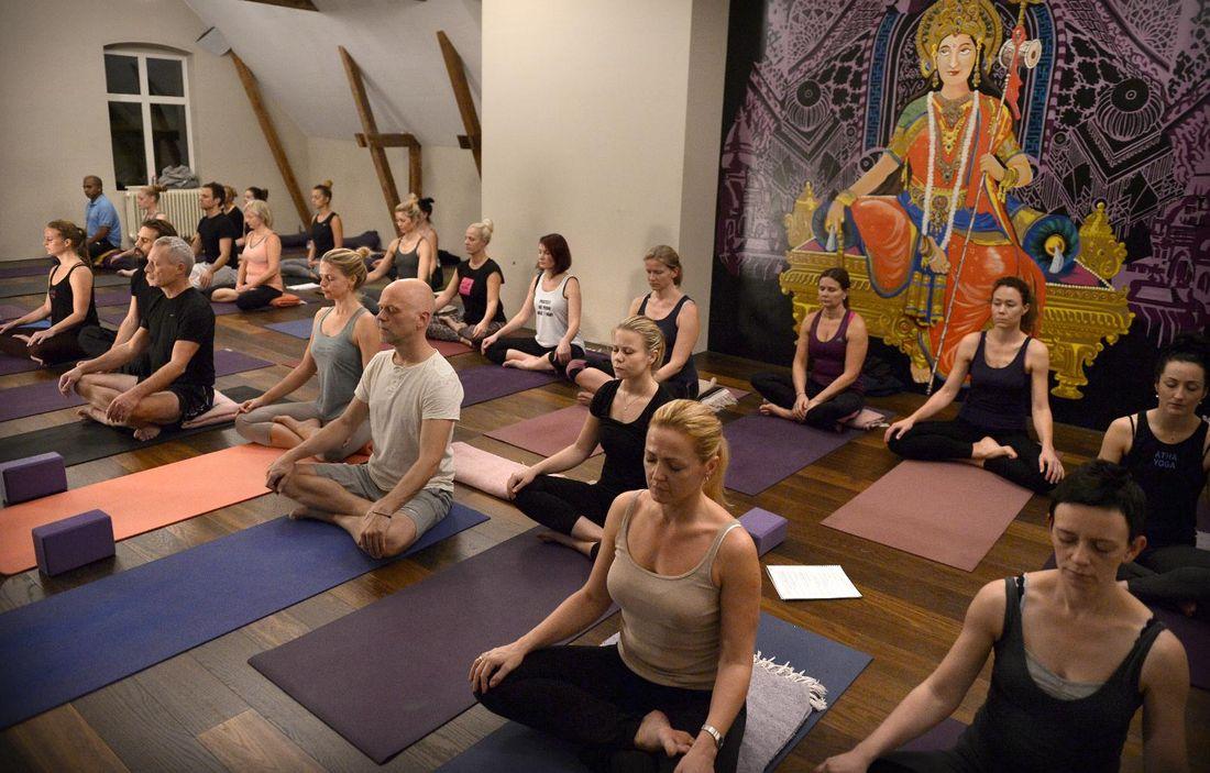 Yoga oslo naken Video: These