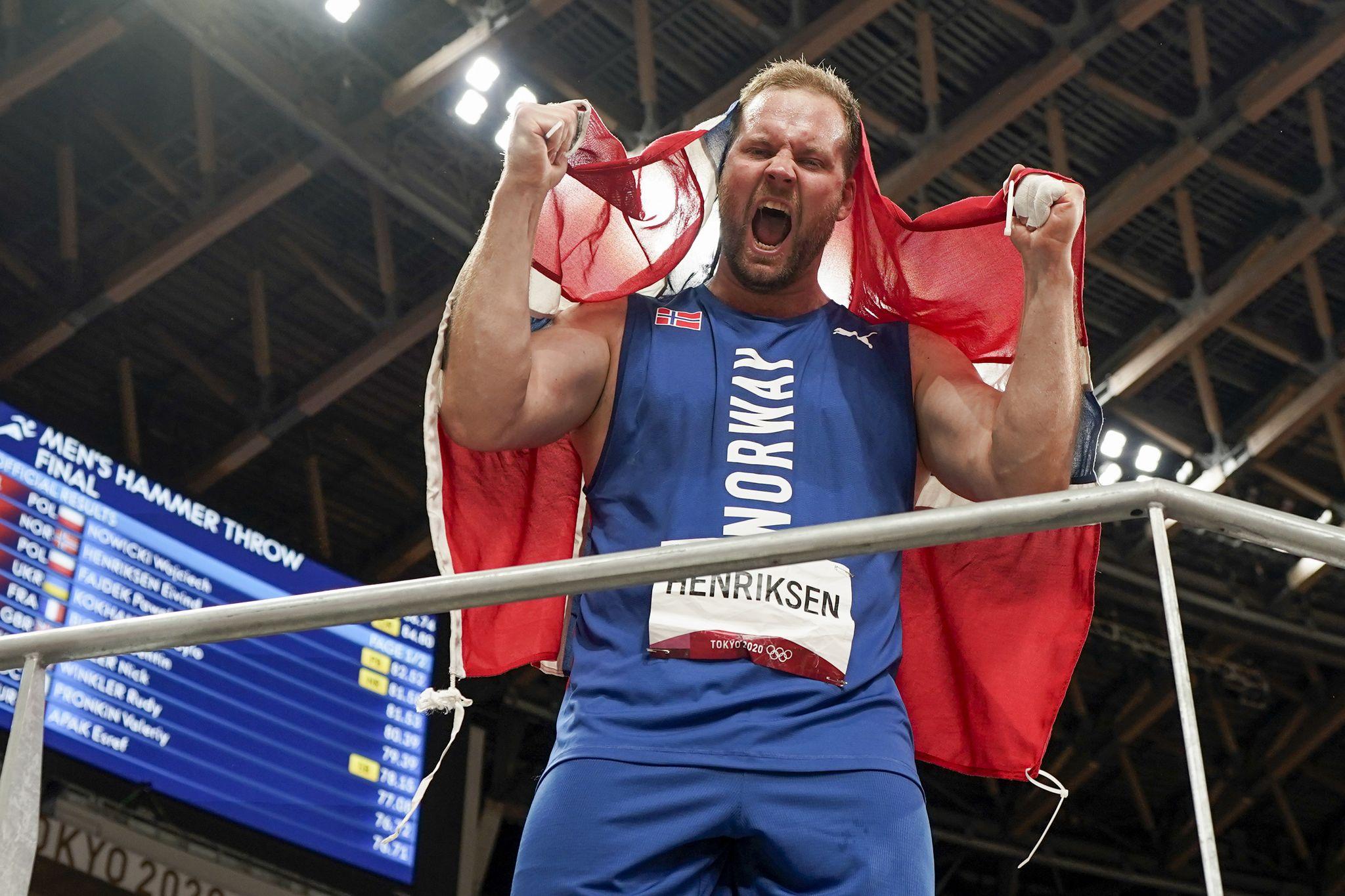 Eivind Henriksen tok til tårene etter OL-sølvet: – Skulle ønske han kunne vært med å oppleve dette