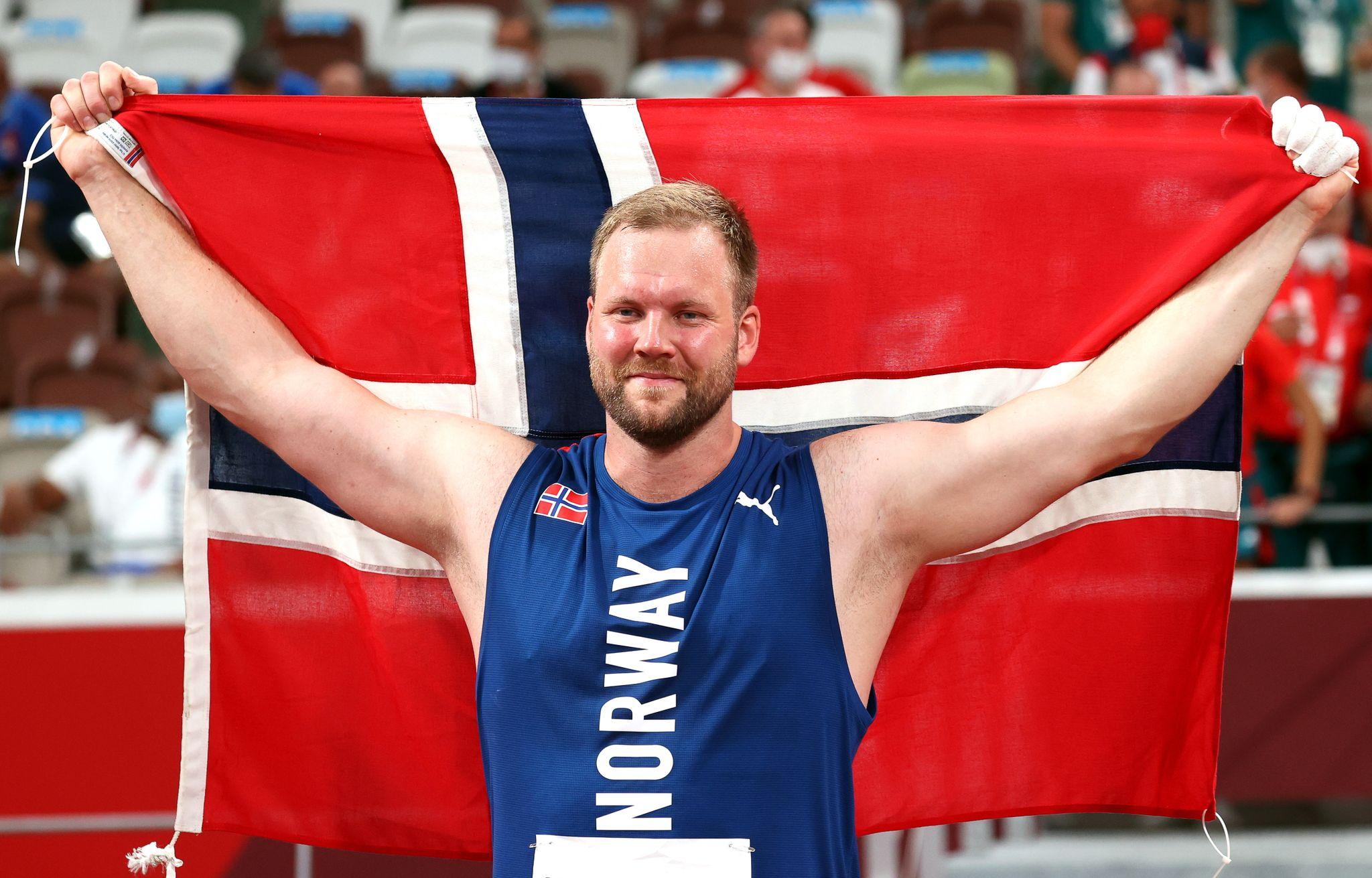 Henriksen hylles av lagkameratene: – Aldri har en medalje vært mer fortjent