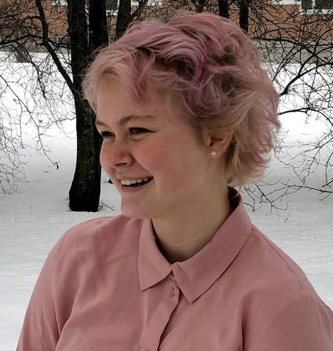 Carina Bruvik (21)