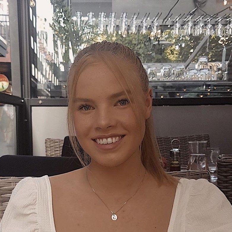 Camilla Haugen (19)