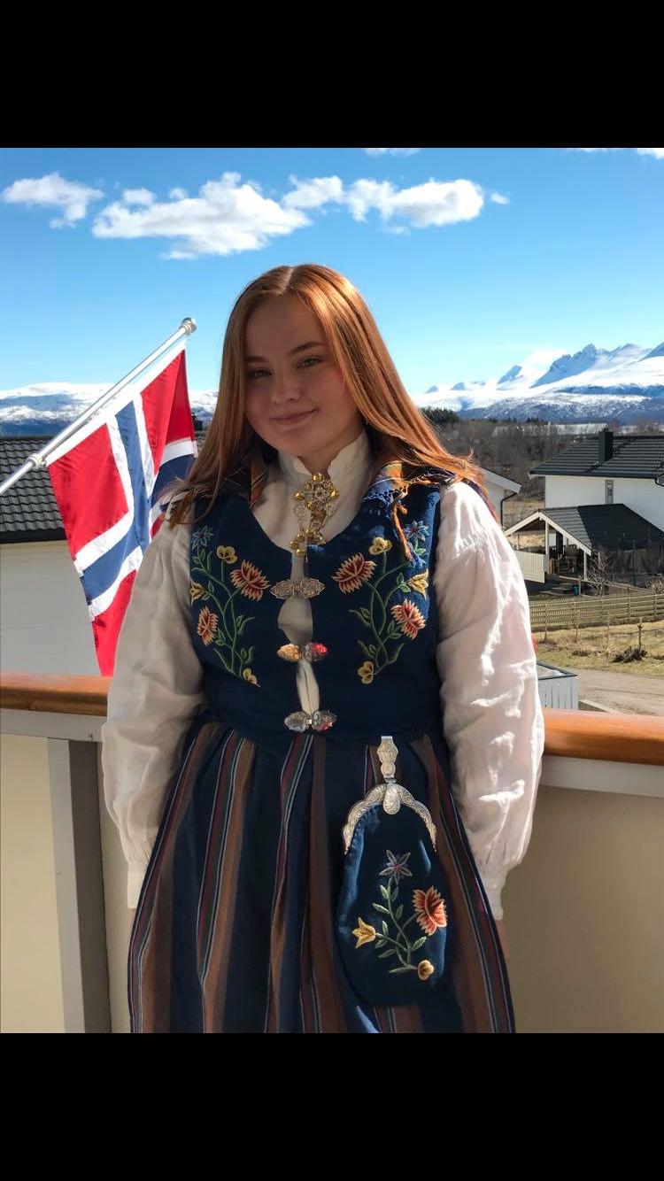 Emma-Katrin Vanderloock Kleven (16).