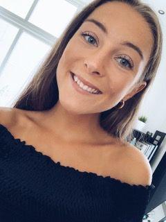 Karoline Brastad Hansen (21)