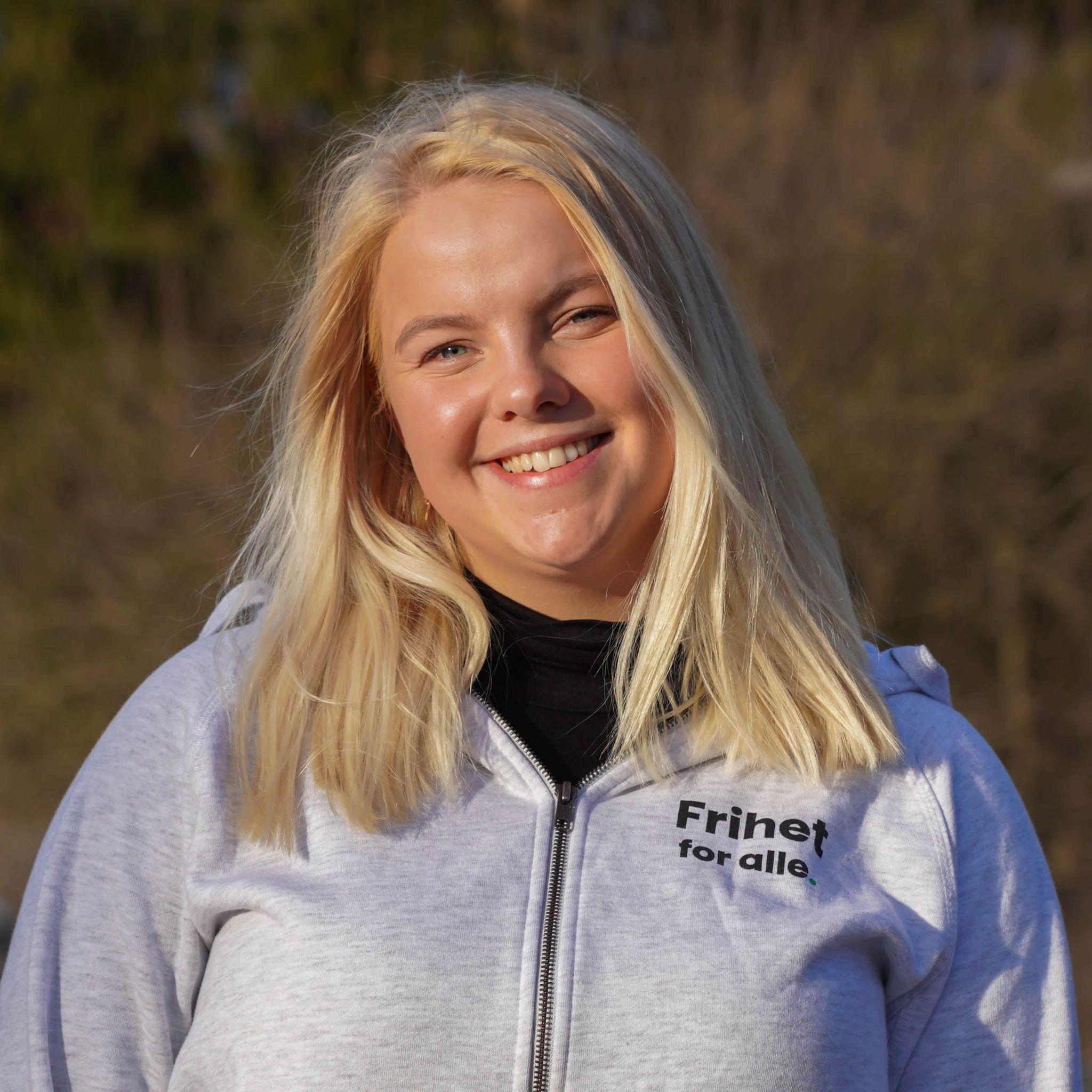 Emma Romskoug Teigland (20)