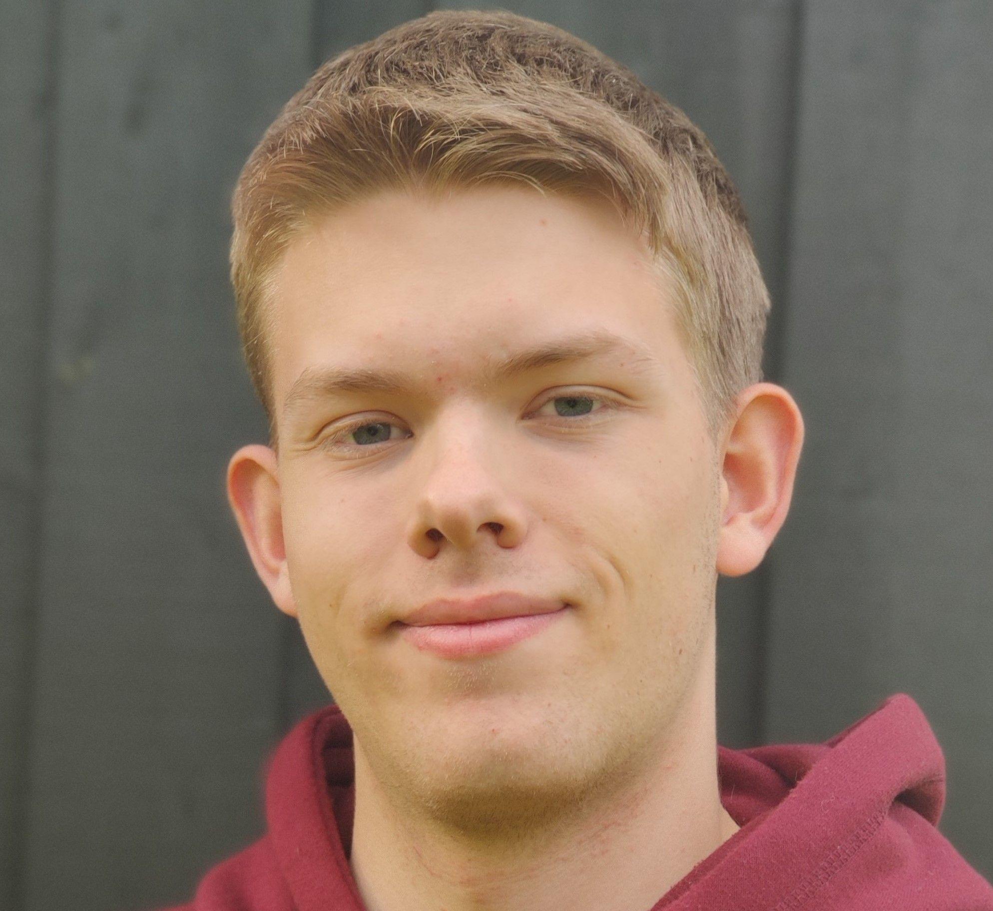 Magnus Brandt Lågøyr (20)