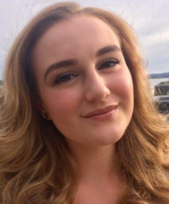 Victoria Valner (19)
