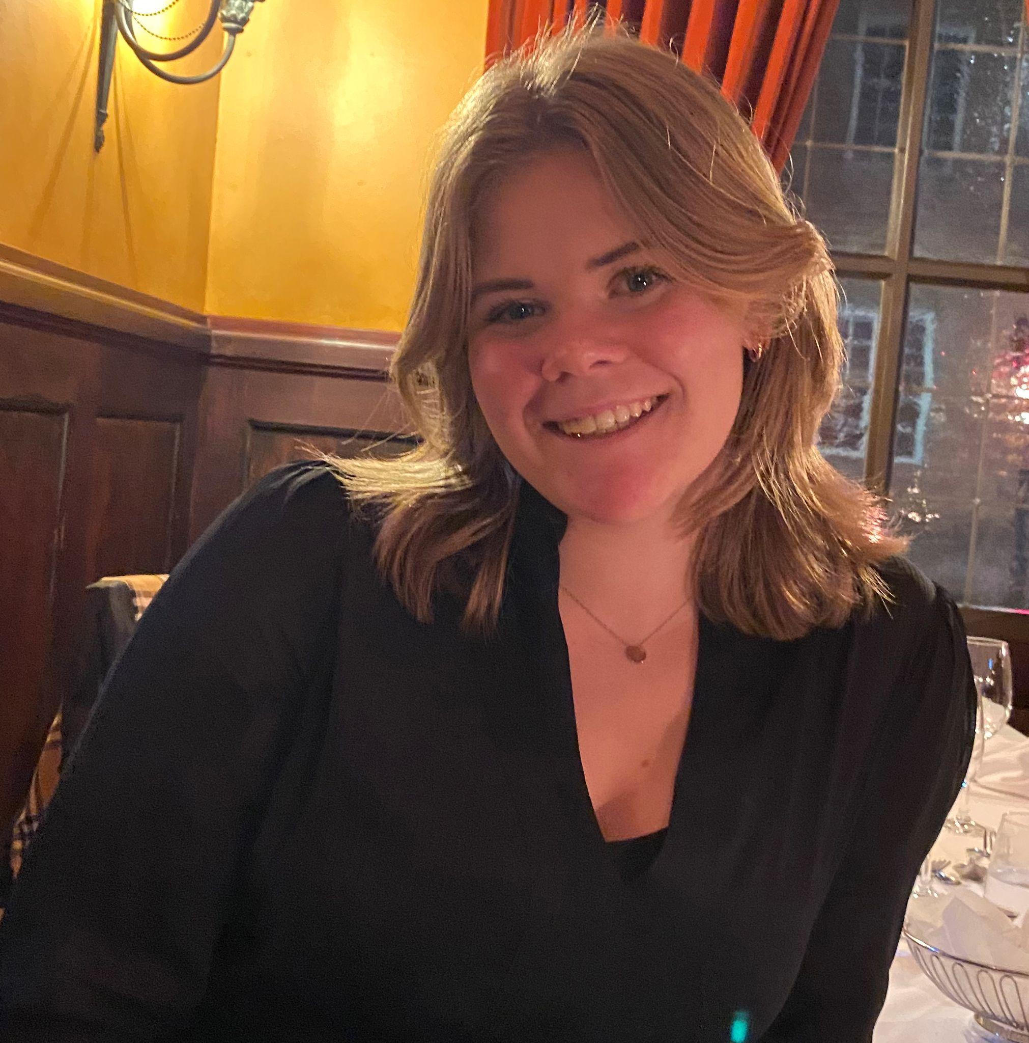 Thea Mortensen (17)