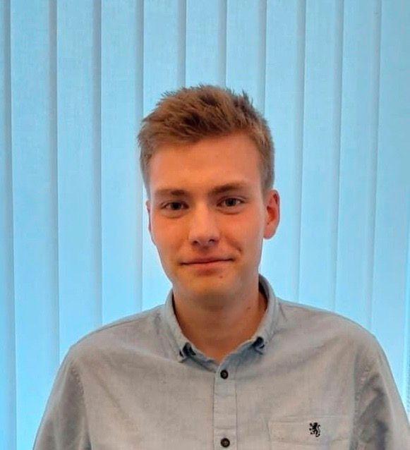 Elias Eide (19)