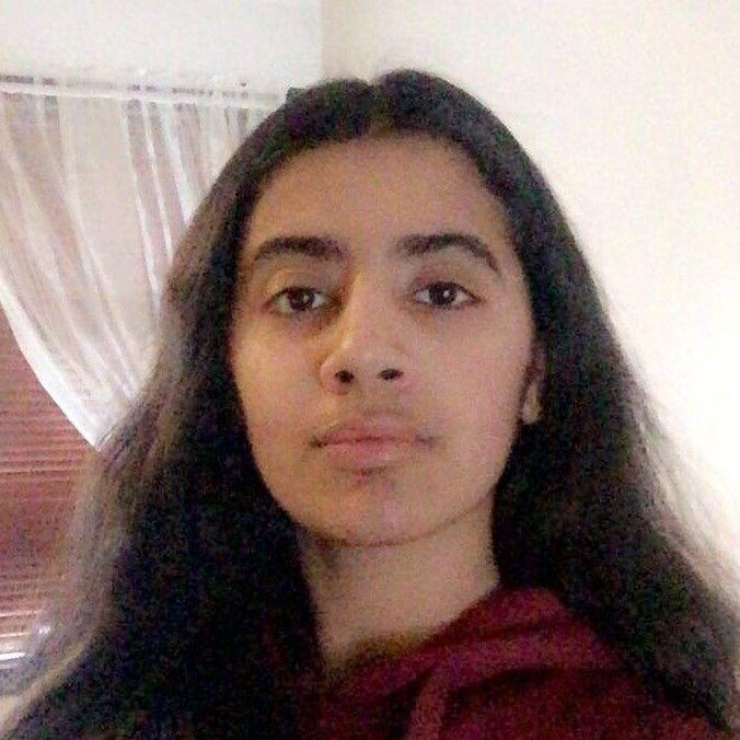 Ayeesha Fakhir (16)